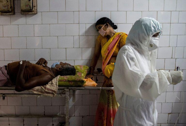 Τα 2/3 των Ινδών εκτέθηκαν και ανέπτυξαν αντισώματα | tanea.gr