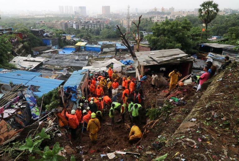 Ινδία: Τουλάχιστον 18 νεκροί εξαιτίας των βροχοπτώσεων   tanea.gr
