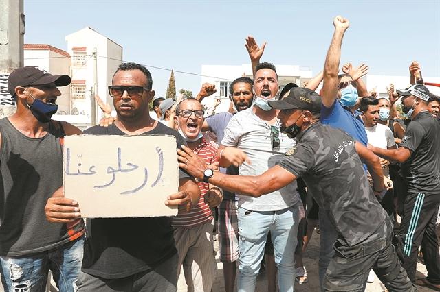 Τι σχεδιάζει ο «Ρόμποκοπ» της Τυνησίας; | tanea.gr