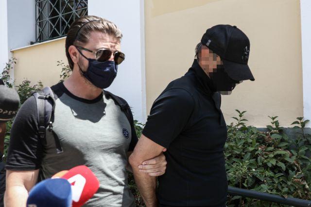 Προφυλακιστέος ο 49χρονος για την κλοπή των πινάκων   tanea.gr