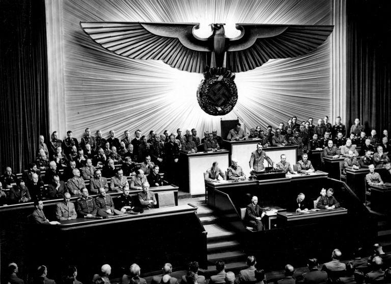 Αδόλφος Χίτλερ: Mετά τη «Νύχτα των Μεγάλων Μαχαιριών» | tanea.gr