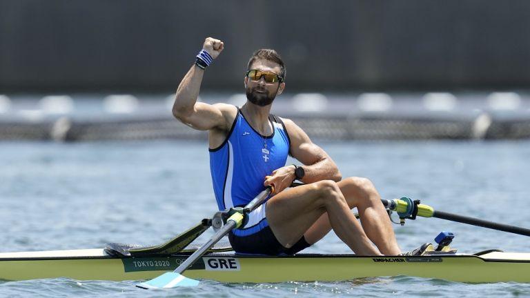 Greek rower Stefanos Ntouskos wins Olympics gold medal, breaks Olympic record   tanea.gr