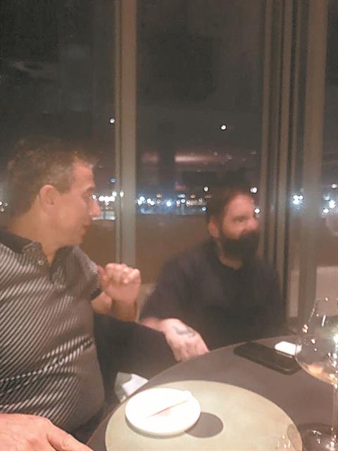 Μπήκαμε και φωτογραφίσαμε ειδικά το Delta Restaurant | tanea.gr