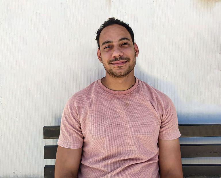 Υποτροφία από το αμερικάνικο «University of the People» πήρε 24χρονος πρόσφυγας στην Ελλάδα   tanea.gr