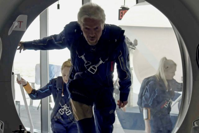 Ρίτσαρντ Μπράνσον: Δείτε live την απογείωση του δισεκατομμυριούχου για το Διάστημα   tanea.gr