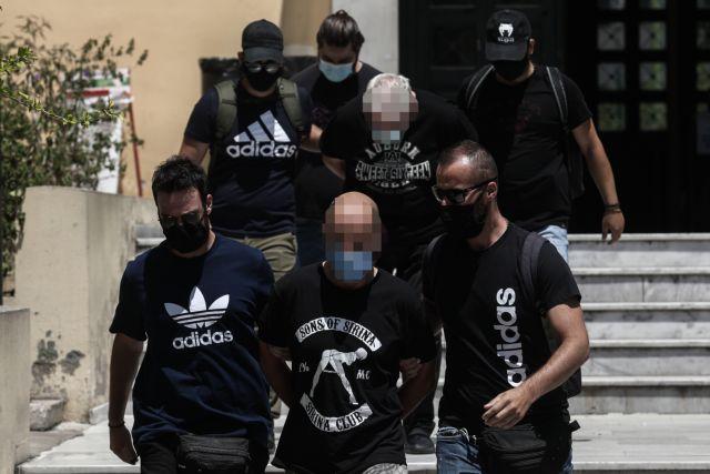 Δικηγόρος 19χρονης: «Θα δώσω στον ανακριτή ονόματα και άλλων θυμάτων του αστυνομικού» | tanea.gr