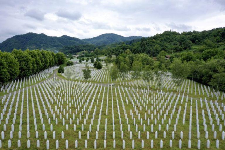 90 χρόνια «ΤΑ ΝΕΑ»: Η σφαγή της Σρεμπρένιτσα   tanea.gr