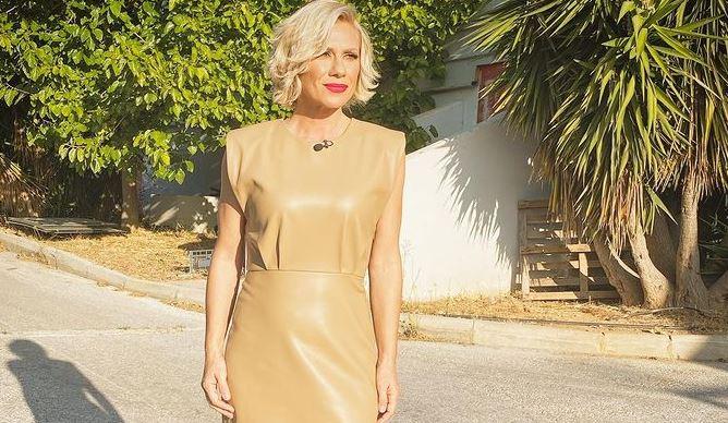 Κατερίνα Καραβάτου: Με ποιον πασίγνωστο παρουσιαστή κάνει διακοπές | tanea.gr
