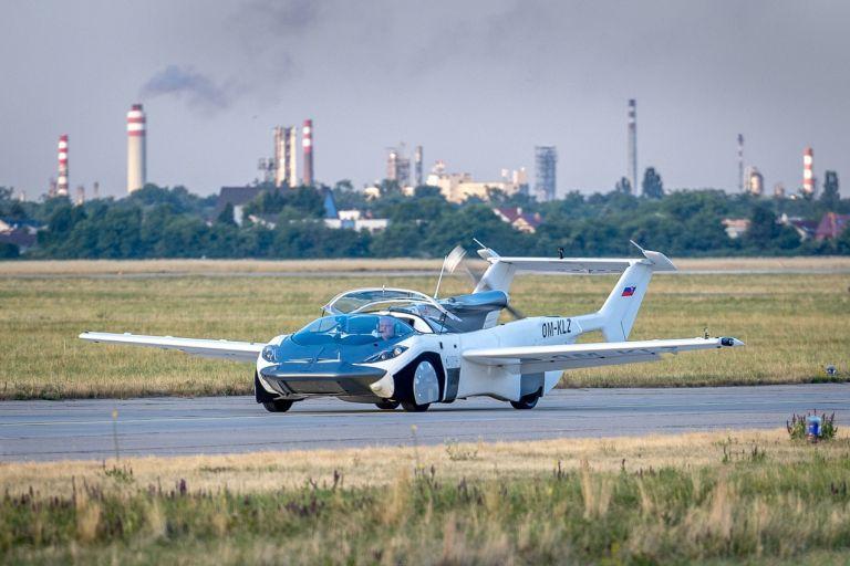 Το πρώτο αυτοκίνητο που πετάει, έκανε με επιτυχία την πρώτη του πτήση   tanea.gr