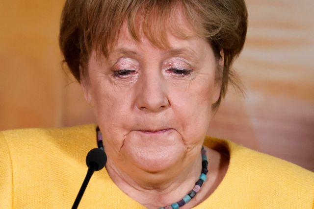 Άνγκελα Μέρκελ: Σχεδόν… κοιμήθηκε σε τηλεδιάσκεψη και έγινε viral | tanea.gr