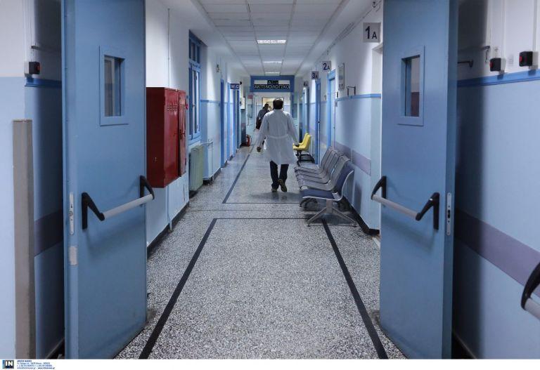 Αυξάνονται οι διασωληνωμένοι - 2.070 τα νέα κρούσματα | tanea.gr