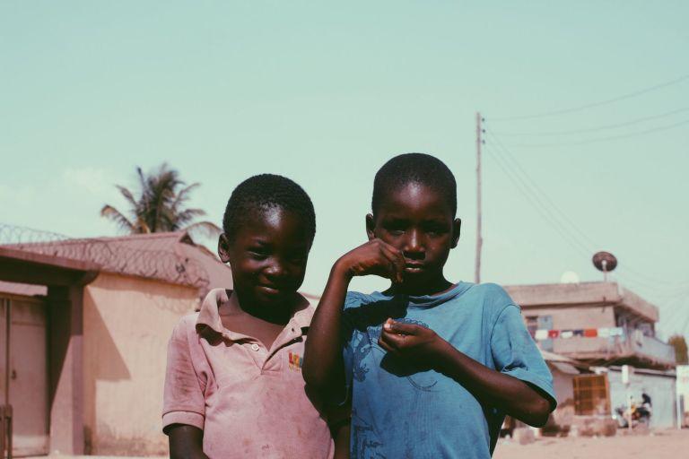 Αιθιοπία: Εκατό χιλιάδες παιδιά κινδυνεύουν από ακραίο υποσιτισμό   tanea.gr