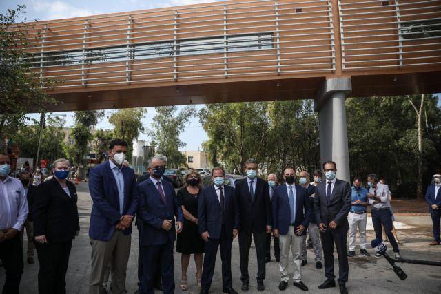 Εγκαινιάσθηκε η πεζογέφυρα στο νοσοκομείο «Σωτηρία» | tanea.gr