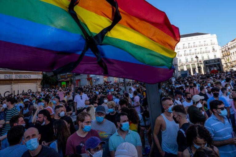Οργή στην Ισπανία για τη δολοφονία του 24χρονου ομοφυλόφιλου Σαμουέλ | tanea.gr
