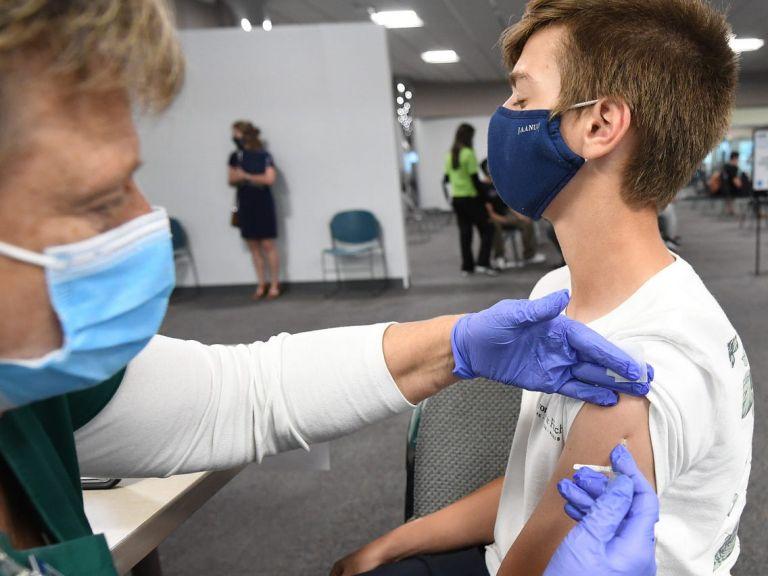 Εθελοντικός εμβολιασμός εφήβων 15 με 17 ετών | tanea.gr