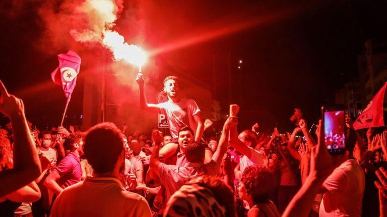 Τυνησία: Διεθνείς αντιδράσεις στις ραγδαίες εξελίξεις που βιώνει η αραβική χώρα | tanea.gr