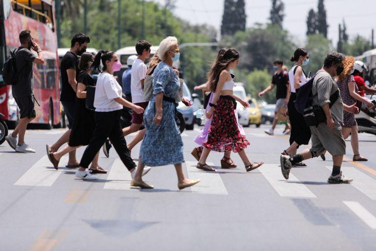 Αθηνά Λινού: «Με εμβολιασμένους κάτω του 50% είναι σαν να είμαστε στην αρχή» | tanea.gr