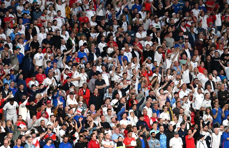 Euro 2020: Καταστροφικός ο συνωστισμός των φιλάθλων λέει ο ΠΟΥ   tanea.gr