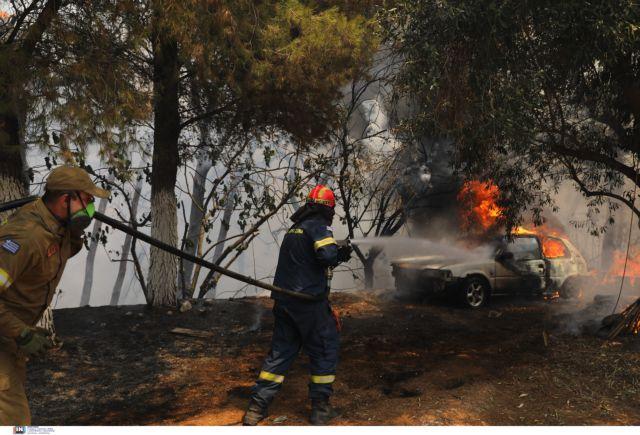 Φωτιές – Εθελοντής πυροσβέστης ο πρώτος νεκρός - Τραυματίστηκε θανάσιμα στην Ιπποκράτειο Πολιτεία | tanea.gr