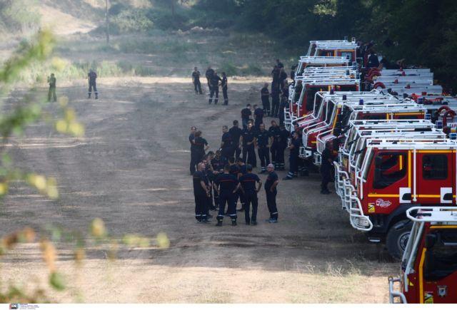 Φωτιές – Γάλλοι πυροσβέστες περνούν από τη Γορτυνία και οι κάτοικοι τους χειροκροτούν   tanea.gr