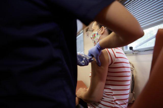 Κικίλιας – Θα σταλούν κινητά συνεργεία εμβολιασμού για να ανέβει το ποσοστό στον τουρισμό | tanea.gr