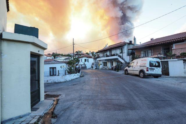 Τρόμος από τις συνεχείς αναζωπυρώσεις στην Εύβοια – «Θα καούμε ζωντανοί, στείλτε αμέσως εναέρια μέσα»   tanea.gr