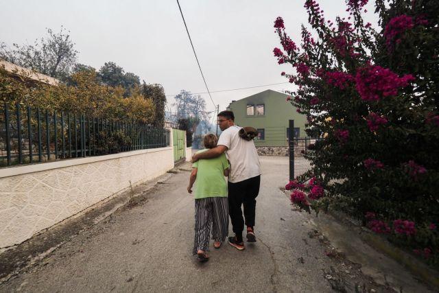 Φωτιά στην Εύβοια – Χτύπησαν οι καμπάνες για να εκκενωθούν οι Κεχριές | tanea.gr