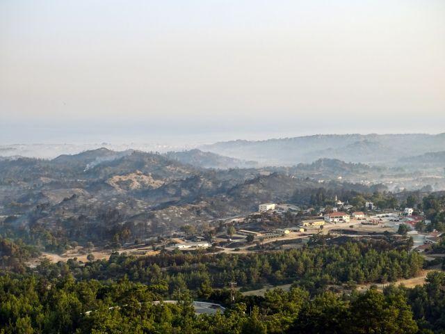 Ρόδος – Σε ύφεση η φωτιά – Πονοκέφαλος οι αναζωπυρώσεις | tanea.gr