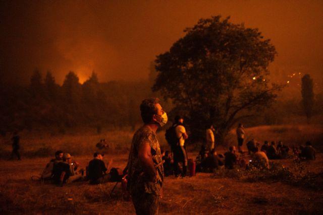 Φωτιά στην Εύβοια – Συνεχίζεται για 8η μέρα η μάχη με τις φλόγες – Η πύρινη λαίλαπα απείλησε Καματριάδες και Αβγαριά | tanea.gr