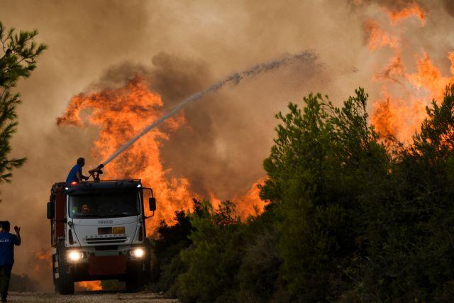Φωτιά στην Αττική – «Εκκενώστε τώρα προς Θρακομακεδόνες και Αχαρνές» | tanea.gr