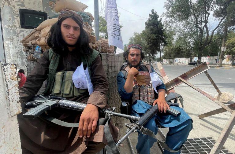 Ένοπλοι Ταλιμπάν καλούν τους Αφγανούς να επιστρέψουν στις δουλειές τους | tanea.gr