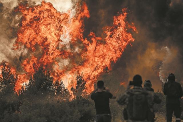 Σε κατάσταση πολιορκίας όλη η χώρα   tanea.gr