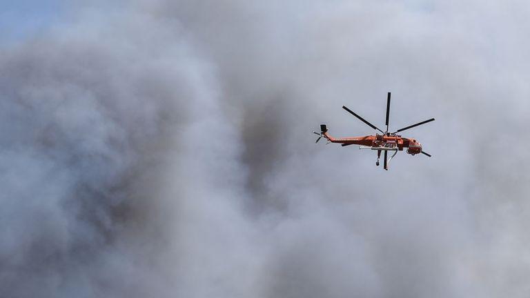 Φωτιά στην Φωκίδα – Νέα μηνύματα 112 για εκκένωση δύο οικισμών   tanea.gr