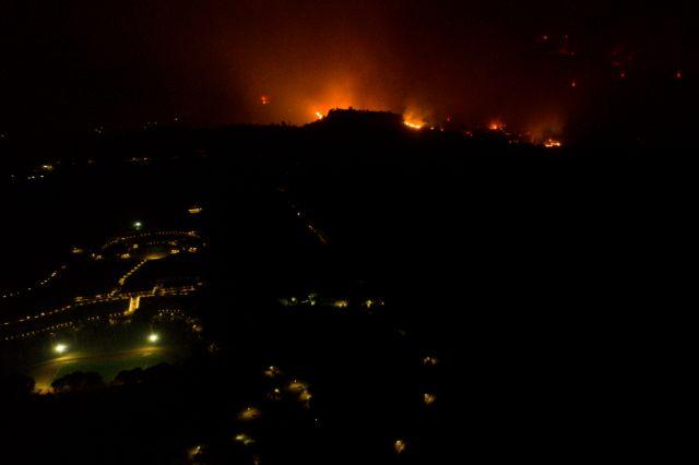 Φωτιές – Μάχη για σωθεί η αρχαία Ολυμπία – Συνεχίζεται η πύρινη καταστροφή σε Εύβοια και Μεσσηνία | tanea.gr