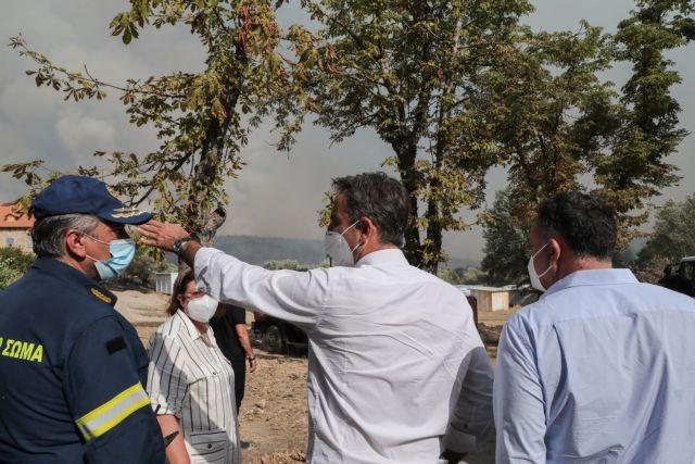 Στο Συντονιστικό Κέντρο Επιχειρήσεων για τις φωτιές ο Μητσοτάκης   tanea.gr