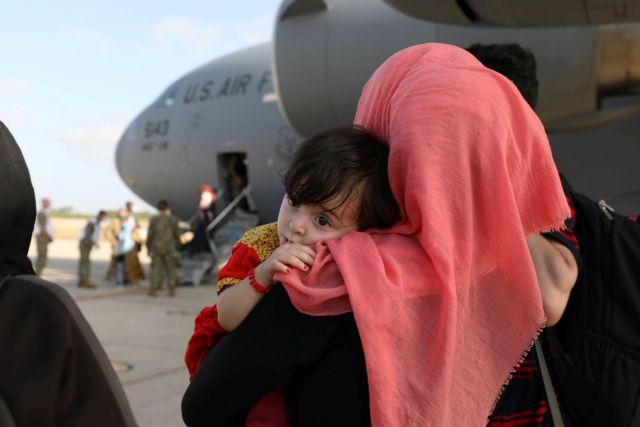 Οι Αφγανοί που απελαύνονται από την Ευρώπη θα οδηγούνται στο δικαστήριο | tanea.gr