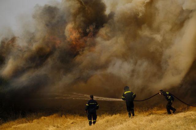 Μαίνονται τα τέσσερα πύρινα μέτωπα στο Κιλκίς | tanea.gr
