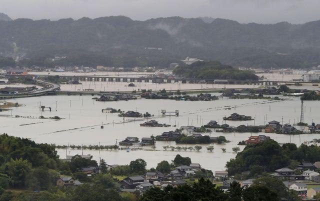 Ιαπωνία – 1,4 εκατ. εγκατάλείπουν τα σπίτια τους   tanea.gr