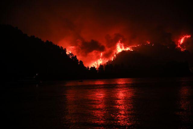Φωτιά στην Εύβοια – «Βοηθήστε μας, θα καούμε ζωντανοί» – Δραματικές εκκλήσεις κατοίκων   tanea.gr