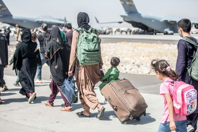 Αίτημα για χορήγηση ασύλου από την 8μελή οικογένεια Αφγανών που ήλθε στην Ελλάδα | tanea.gr