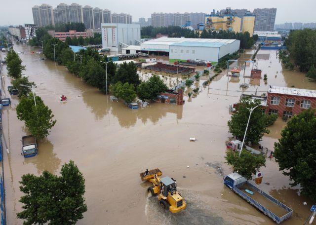 Κίνα – Τουλάχιστον 21 νεκροί από τις καταρρακτώδεις βροχές | tanea.gr