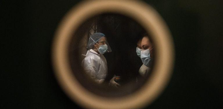 Κοροναϊός – Η πρώτη έρευνα σε «πραγματικό χρόνο» χρειάστηκε 30 ανεμβολίαστους εθελοντές   tanea.gr