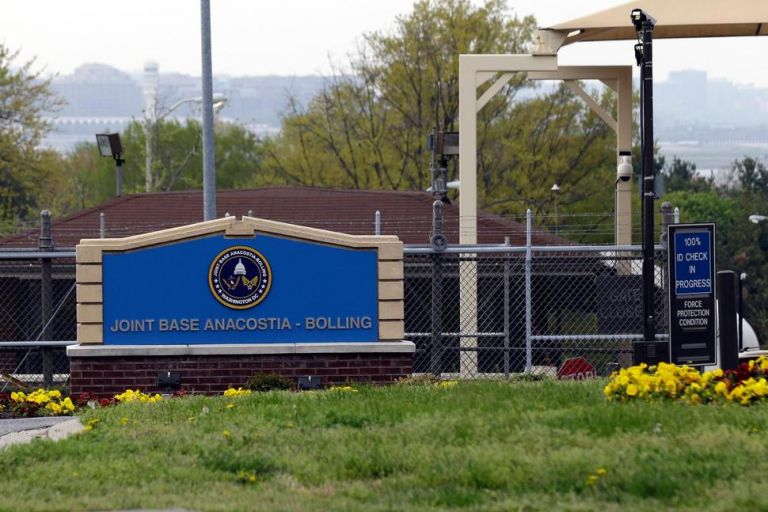 Έκλεισε αεροπορική βάση στις ΗΠΑ μετά την αναφορά για ένοπλο άνδρα | tanea.gr