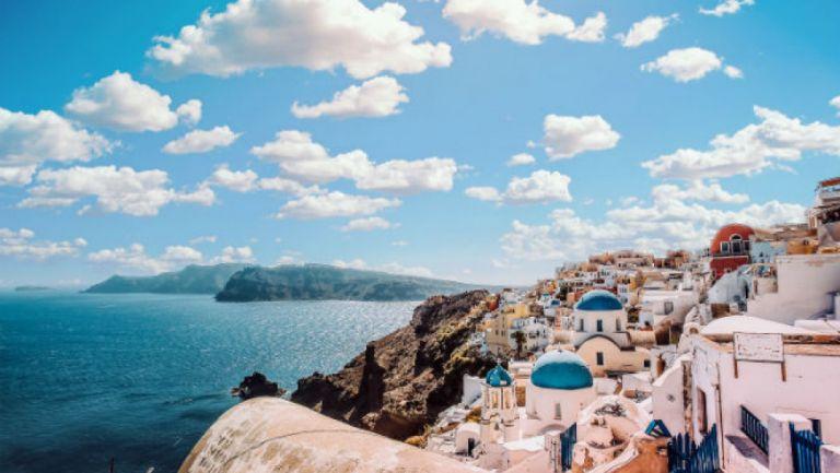 «Βούλιαξαν» τα θέρετρα από ξένους και έλληνες τουρίστες   tanea.gr