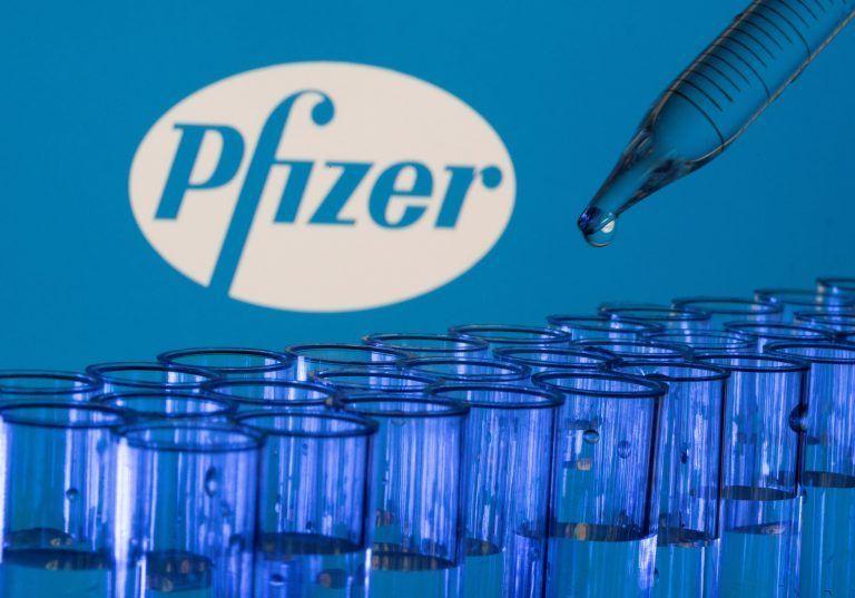 Μπαράζ υποχρεωτικών εμβολιασμών μετά την έγκριση του Pfizer από τον FDA | tanea.gr