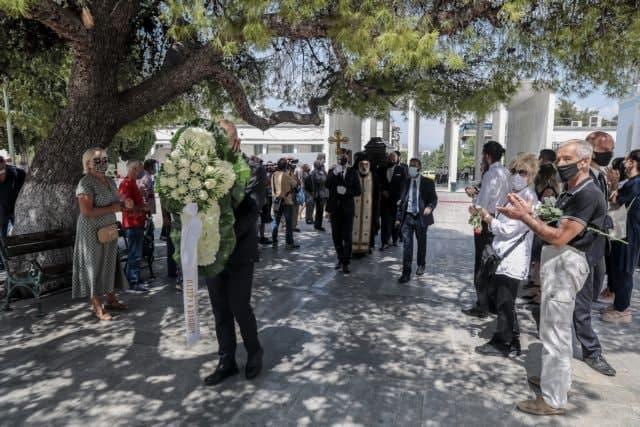 Ανέστης Βλάχος – Συγκίνηση στην κηδεία του αγαπημένου «κακού» του ελληνικού κινηματογράφου | tanea.gr