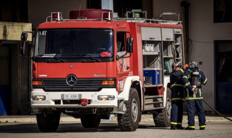 Φωτιά σε εξέλιξη στο Λουτράκι | tanea.gr