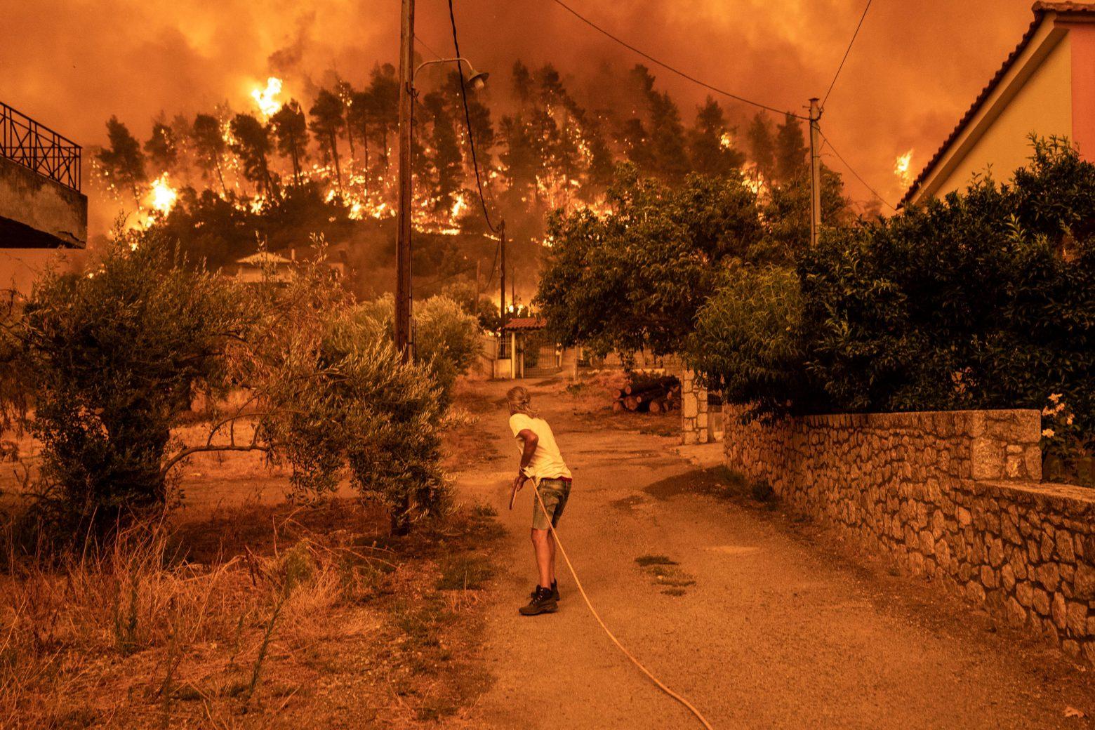 Φωτιά Εύβοια – Συγκλονίζει 19χρονος - «Πώς να ζήσουμε εδώ; Θα είμαι 60  χρόνων όταν ξαναγίνουν όλα όπως ήταν» - ΤΑ ΝΕΑ