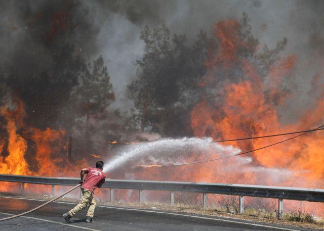Τουρκία – Στους οκτώ οι νεκροί από τις δασικές πυρκαγιές | tanea.gr