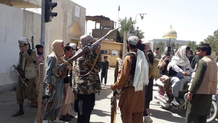 Στα χέρια των Ταλιμπάν η πόλη Μαζάρ-ι-Σαρίφ | tanea.gr
